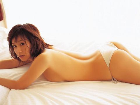 平田弥里 (19)