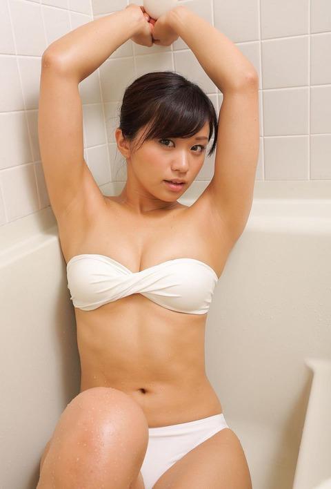 安枝瞳 (18)