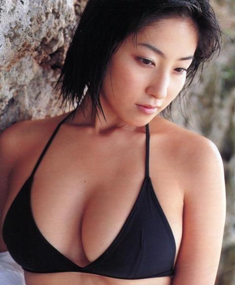 佐藤寛子 (25)
