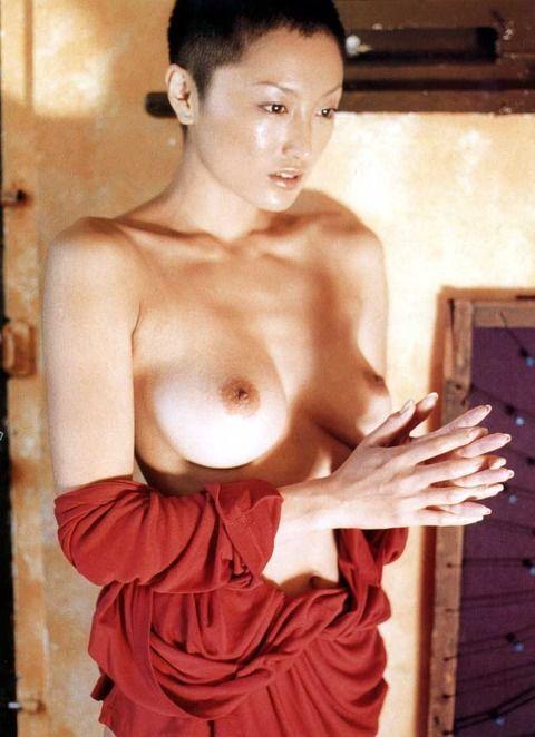 井上晴美 (26)