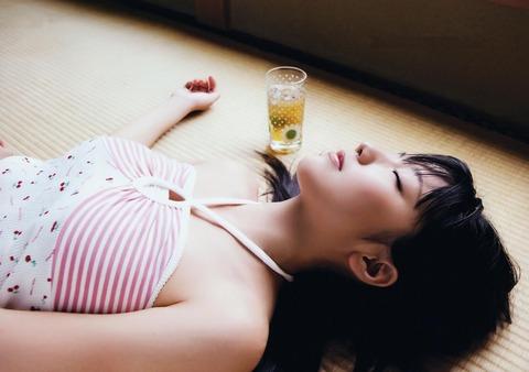 真野恵里菜 (8)