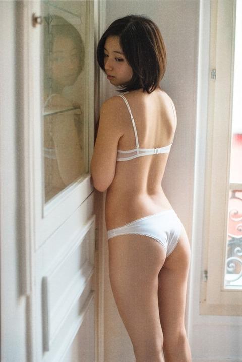 小池里奈 (32)