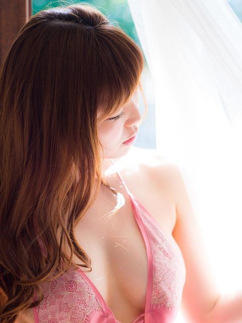 金子栞 (27)