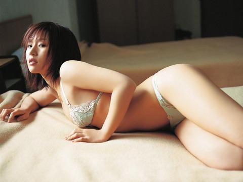 平田弥里 (27)