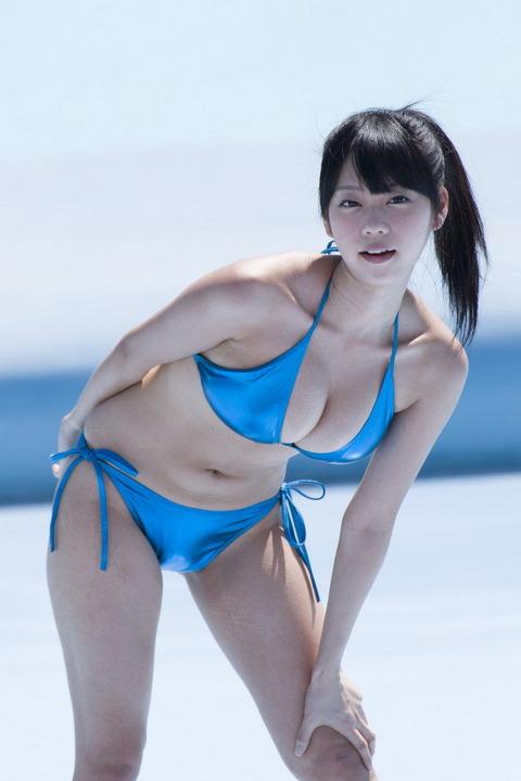 青山ひかる (49)
