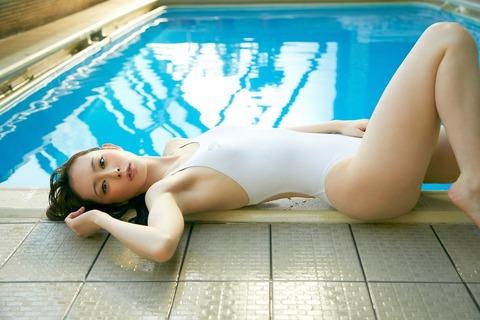 秋山莉奈 (9)