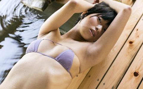 倉持由香 (42)