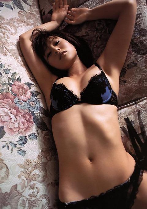 平田弥里 (35)