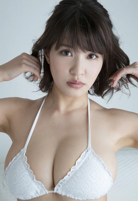 岸明日香 (28)
