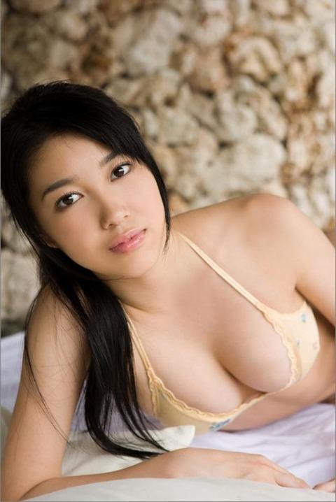 秦みずほ (23)