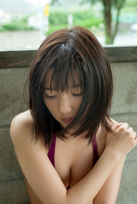 真野恵里菜 (44)