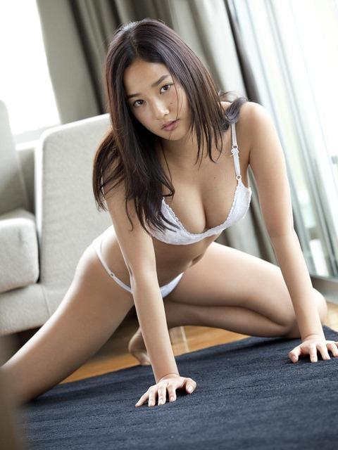 高嶋香帆 (46)