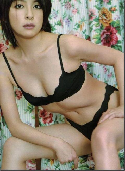 奥菜恵 (28)