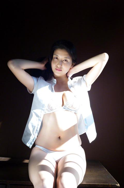 橋本マナミ (2)