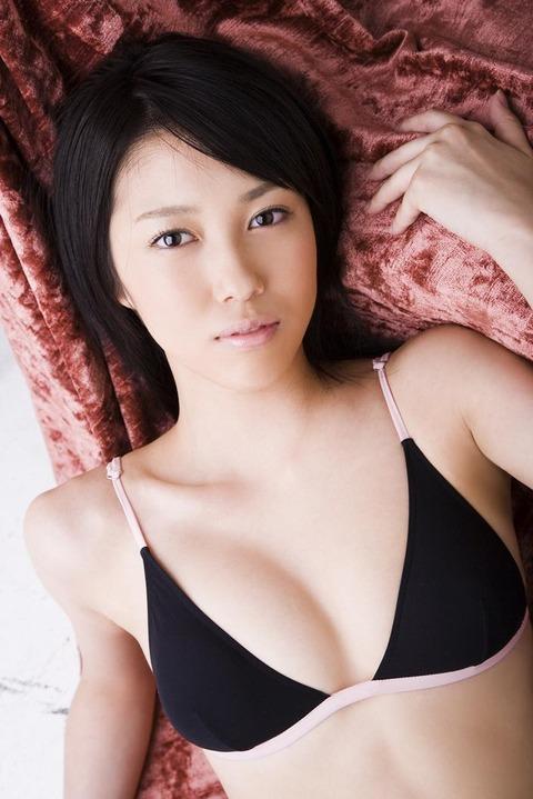 秦みずほ (28)