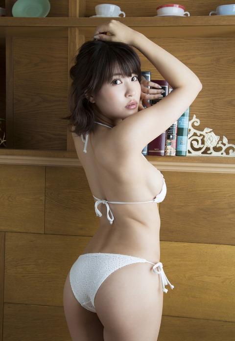 岸明日香 (29)