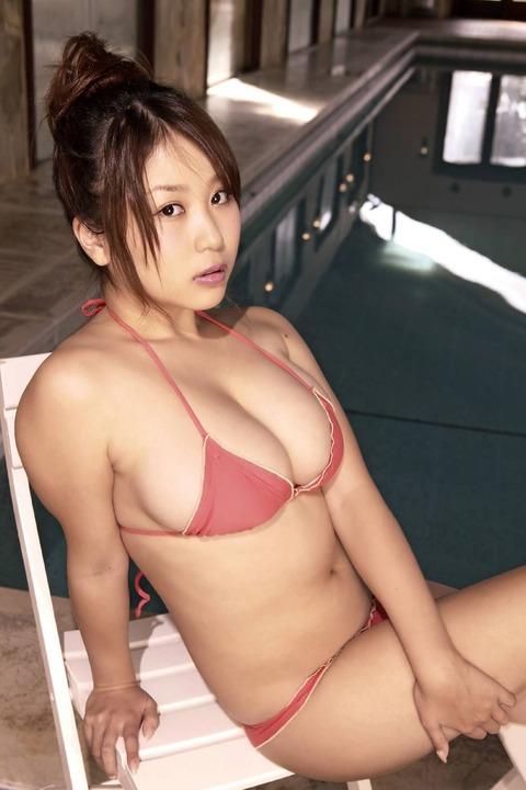 西田麻衣 (23)