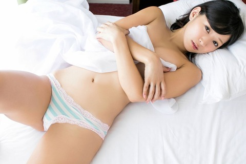 階戸瑠李2 (3)