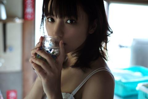 真野恵里菜 (29)
