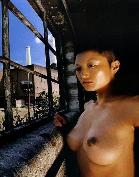 井上晴美 (33)