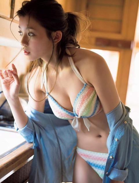 朝比奈彩 (47)