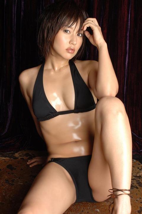 平田弥里 (21)