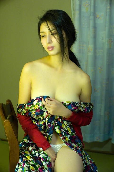 橋本マナミ (31)