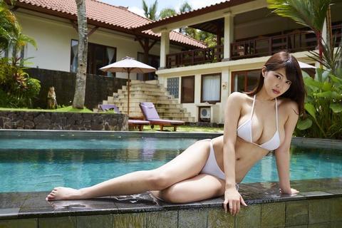 岸明日香 (42)