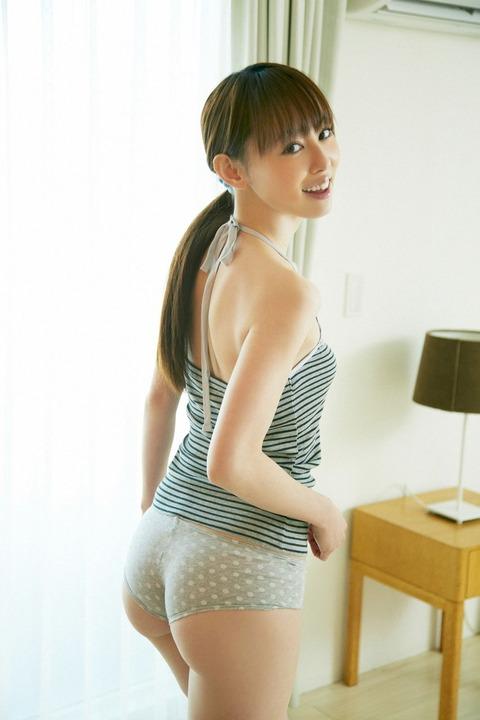 秋山莉奈 (8)