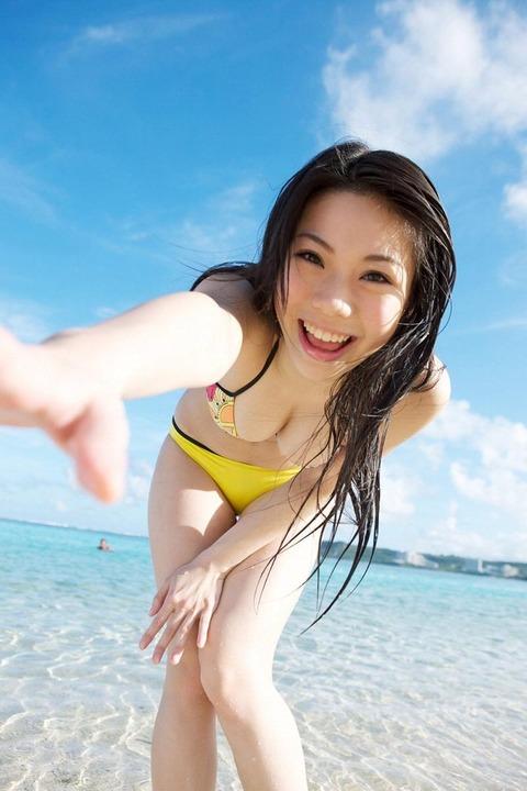 鈴木ふみ奈 (27)