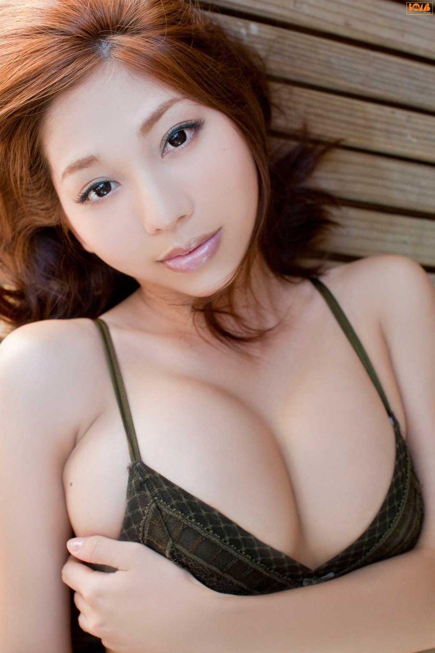 小泉麻耶の柔らかオッパイをムギュムギュしたいエロ画像でちゃう!画像15