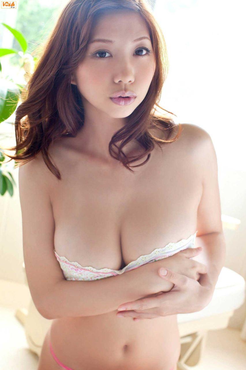 小泉麻耶の柔らかオッパイをムギュムギュしたいエロ画像でちゃう!画像8