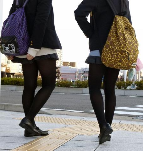 【はぁ?】女子高生なのに、生足じゃない!?jkだろ?逆にこれどうなんだろ的な画像まとめ
