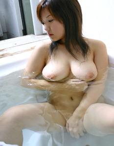 女の子のエロいおっぱいの画像130423_01
