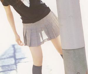 エッチな女の子の太もものエロ画像130501_04