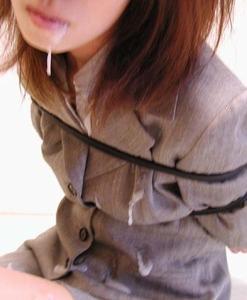 制服姿がエロい!女の子のエロ画像130422_04