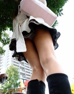 女の子のエッチなパンツのエロ画像130425_02