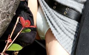 エロい女の子のパンツ130419_03