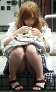エッチな女の子のパンツのエロ画像130425_01