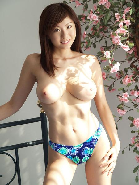 エロ過ぎ美巨乳130522_09