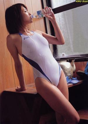 競泳水着の乳首ポッチ|快蜜エロ画像ルーム