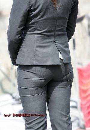 パンツスーツのパンティーライン画像|快蜜エロ画像ルーム