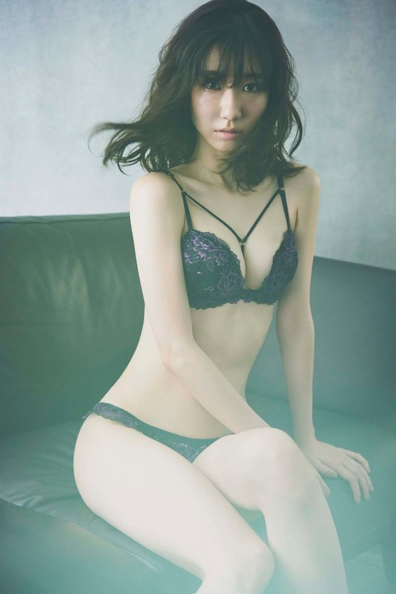 kashiwagiyuki_ravijour03_fixw_640_hq