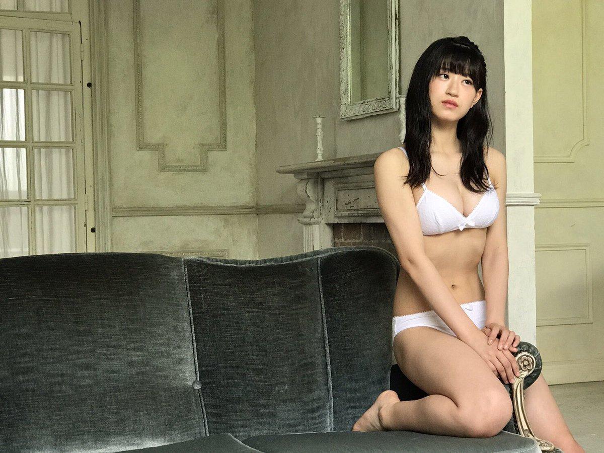 NMB48上西怜ちゃん(16)の乳首が見えそうになっている水着画像が話題に