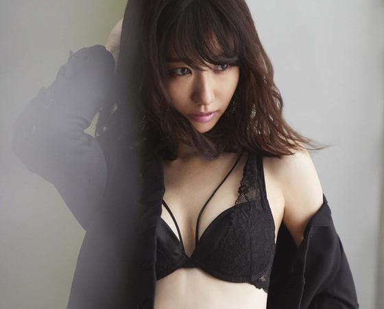 kashiwagiyuki_ravijour01_fixw_640_hq