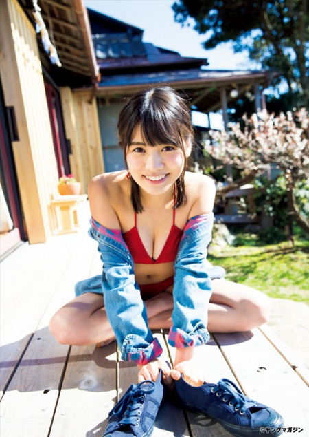 正真正銘の美少女・松永有紗ちゃんの水着からのぞく可愛い胸の谷間がエ□すぎると話題