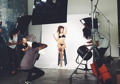 【エンタメ画像】紗栄子がInstagramにアップした下着姿がヤバイ・・・エロ過ぎるだろ