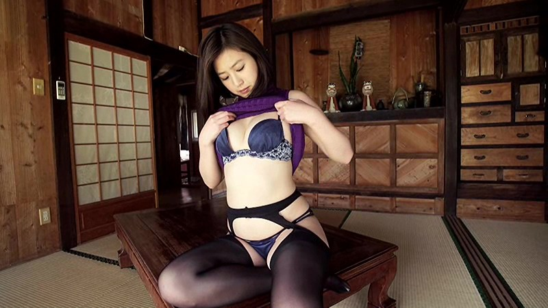 【エンタメ画像】Fカップアイドル佐山彩香ちゃんがBBAの魅力ムンムンでエロすぎると話題に