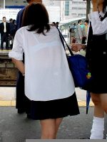 【JK エロ画像】ワイシャツが透けてしまった若者の諦めwww