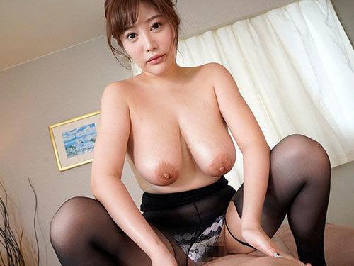 益坂美亜 Jカップ爆乳おっぱいを見られたくてチラリポロリ連発でアピール